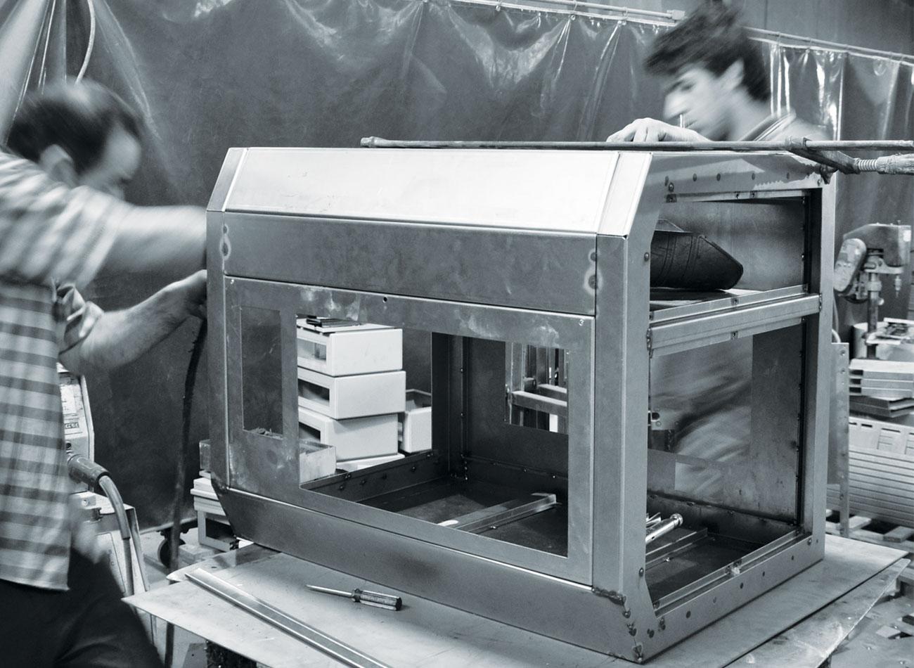 ورقکاری بدنه لیزر لیتوگرافی
