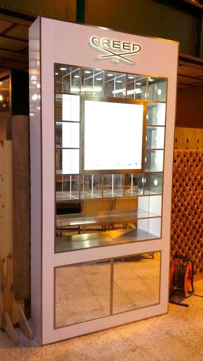 creed-استند-عطر-فروشگاهی-نمایشگاهی-طراحی